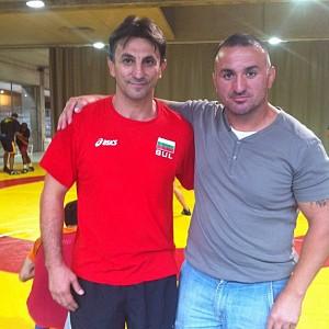 METO KODAKOV con el seleccionador de Bulgaria de lucha Olímpica D. Stoyan Dobrev