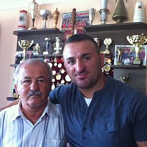 METO KODAKOV junto a su entrenador de infancia el campeón olímpico del Montreal Canadá -1976 - D. Hasan Isaev