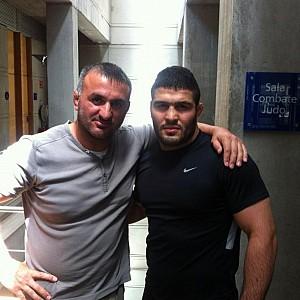 METO KODAKOV junto con el luchador Iraní D. Reza Yazdani (Doble campeón del Mundo)
